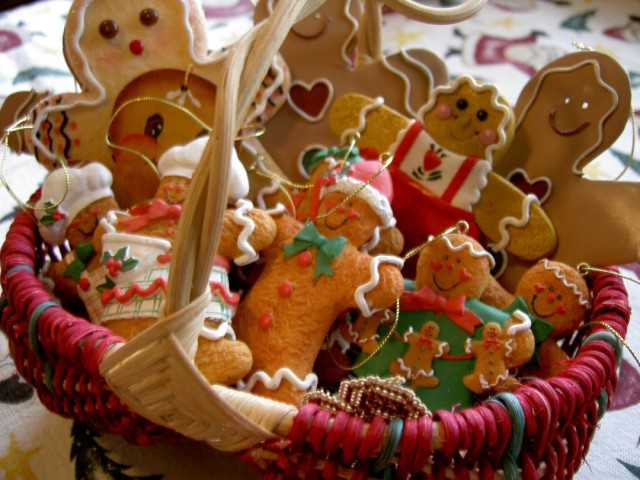 gingerbread-christmas-ornaments